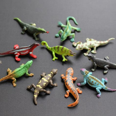 10 plastic full colour lizards lizard reptile Party bag toy FREE POST S73