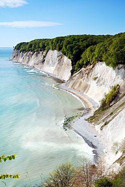 Romantischer geht es nicht...abends ist man fast allein. Weiße Felsen im Rücken und das brausende Meer vor Augen. Wahnsinn. http://www.kuschelliebe.de/kurzreise/suchen/Wellness-Kuschelliebe_auf_R%C3%BCgen/229.html