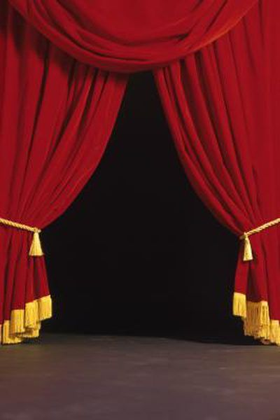 How To Make And Attach A Border To Drapes Stage Curtains Theatre Curtains Curtains