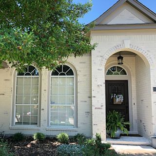 Stunning Diy In New Braunfels Tx Featuring Romabio Classico Limewash In Tropea Beige Post By Cowarthome Biggest D Limewash Exterior Brick House Exterior