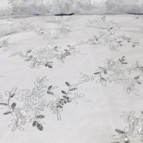 Ribbon Mesh Lace Tablecloths & Overlays