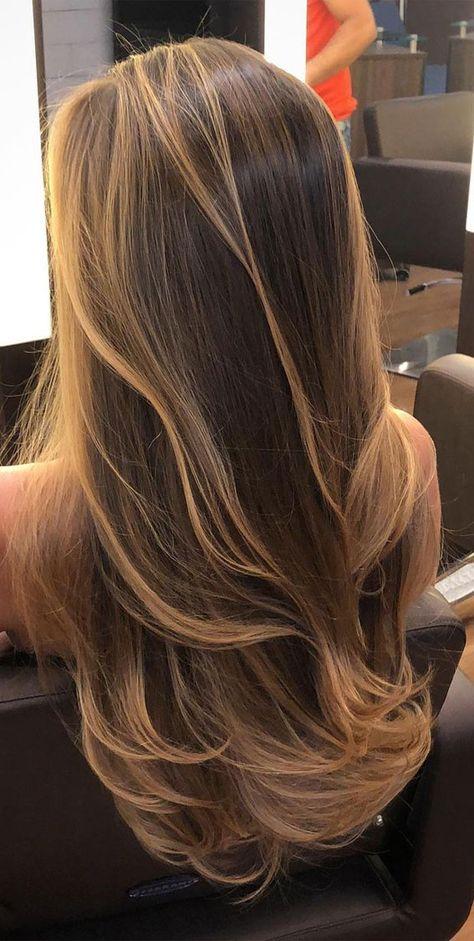 Brown Hair Balayage, Brown Blonde Hair, Long Hair Highlights, Hair Color For Black Hair, Blonde Brunette Hair, Blonde Hair Outfits, Wedding Hair Blonde, Caramel Hair With Blonde Highlights, Beach Blonde Hair