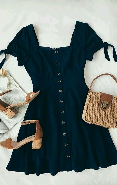 Outfit for dinner Chances Are Navy Blue Skater Dress - Nice ✔️;D - Die Chancen stehen gut, dass Navy Blue Skater Dress - Nice ✔️; Cute Dresses, Casual Dresses, Casual Outfits, Women's Dresses, Dresses Online, Dress Outfits, Navy Blue Outfits, Navy Outfit Ideas, Bride Dresses