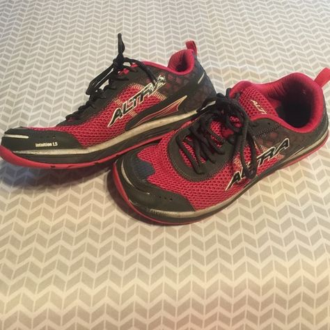 later exclusive shoes classic shoes Ultra zero drop running shoes sz 10 The only flaw is shown ...