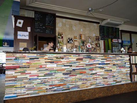 Una original barra de bar realizada con libros - Comunidad de Decoracion Google+