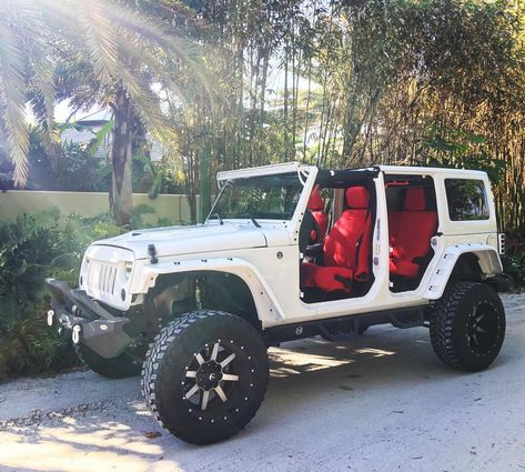 New Dream Cars For Girls White Jeep Wranglers Ideas Auto Jeep, Jeep Cars, Jeep 4x4, Jeep Truck, Sport Jeep, Truck Bed, Wrangler Jeep, Jeep Wranglers, White Jeep Wrangler Unlimited