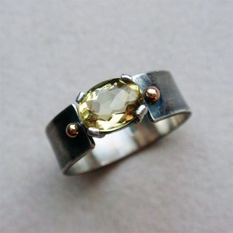Sterling silver ring with genuine yellow beryl - heliodor - and solid gold accents Кольцо