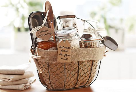 homemade hostess gift idea | basket of breakfast goodies