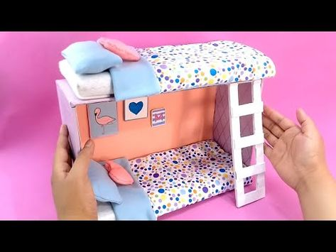 Diy how to make a miniature bunk bed with a shoe box Hello, today I will show you how to make a miniature bunk with a shoe box and cardboard. Barbie Dolls Diy, Barbie Doll House, Barbie Clothes, Barbie House Furniture, Doll Furniture, Dollhouse Furniture, Doll House Plans, Doll Beds, Diy Crafts Hacks