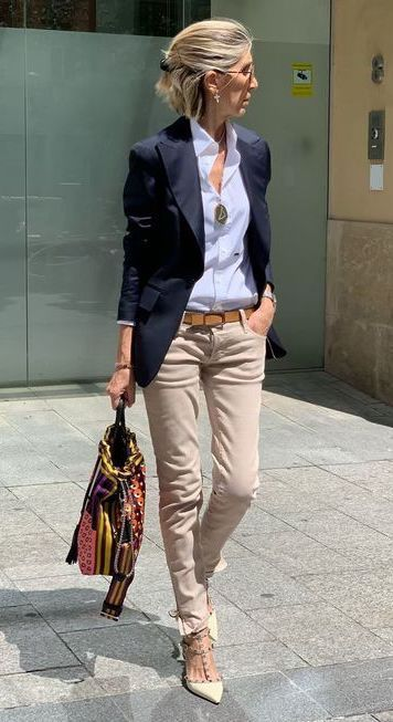 20 Clothing Hacks That Will Make You Look Slimmer - - Lovely outfit for work with beige pants and blue shirt Source by katrinreichenba