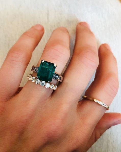 Emerald Wedding Rings, Emerald Ring Vintage, Gemstone Engagement Rings, Vintage Engagement Rings, Vintage Rings, Emerald Rings, Stacked Engagement Ring, Green Sapphire Engagement Ring, Estate Engagement Ring