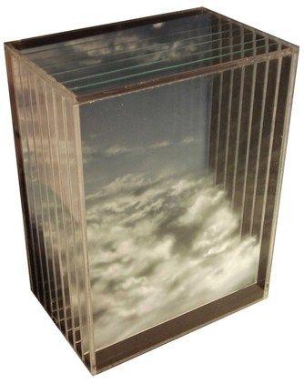 Yosman Botero . painting on multiple plexiglas sheets, he creates three-dimensional holographic images