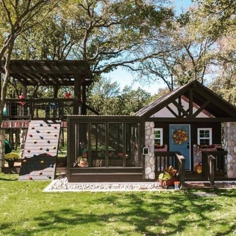 If You Re Needing Any Inspiration For A Backyard Play Shed Toy Shed Or Even Modify It As A She Shed House Exterior Tiny House Design Tree House Diy