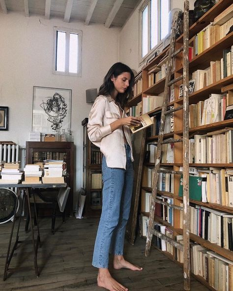 comfy and cute outfits Solange Knowles, Outfits Con Camisa, Jeanne Damas, Emmanuelle Alt, French Chic, Parisian Chic, Mode Inspiration, Mannequins, What To Wear
