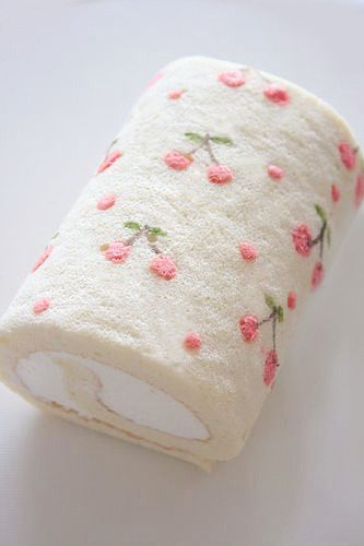 Japanese cake roll with cherries - idea only Pretty Cakes, Cute Cakes, Yummy Cakes, Japanese Cake, Japanese Sweets, Mini Cakes, Cupcake Cakes, Swiss Roll Cakes, Cake Roll Recipes