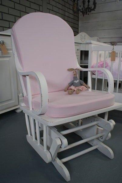 Kussen Voor Schommelstoel.Brocante Schommelstoel Met Roze Kussens 2 Inrichting Huis