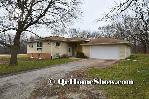 14814 78th Ave W Taylor Ridge Il In 2020 With Images Quad