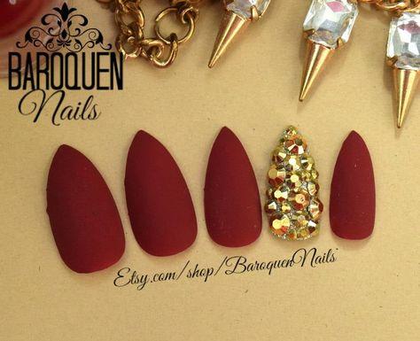 baroquennails.etsy.com #nails #chromenails #etsy #manicure #falsenails #viral #coffinnails #longnails #acrylicnails #mattenails #pinknails #luxurynails #gelnails #pressons #glueonnails #naillife #candynails #beforeandafter #makeup #nailsoftheday