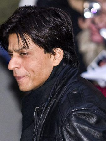 Shah Rukh Khan Wind Swept Long Hairstyle Men S Hairstyles Actors Indian Celebrities Shah Rukh Khan Movies