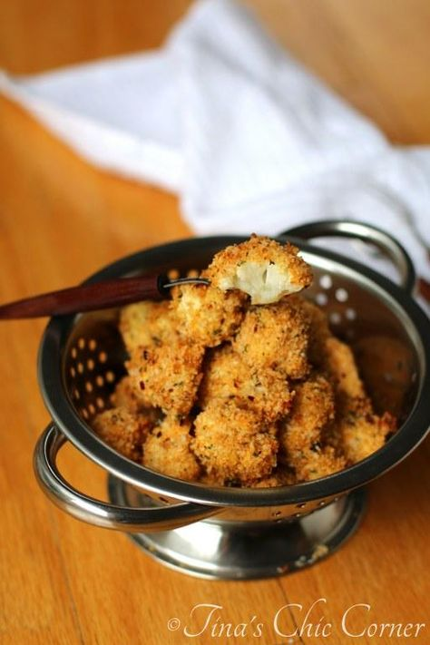 Cauliflower Poppers (baked...and super easy to make with a few ingredients) - www.tinaschic.com