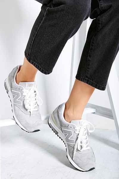 new balance women's 420 70s running lifestyle fashion sneaker