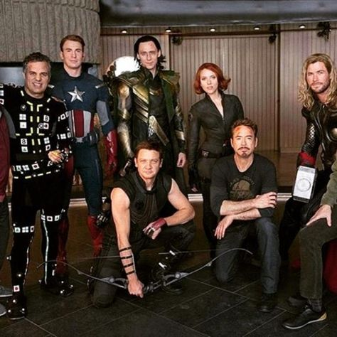 Robert Downey Jr, Chris Evans, Tom Holland & other Avengers: Endgame cast goof around in a PRICELESS gag reel Marvel Dc, Wanda Marvel, Marvel Jokes, Marvel Actors, Marvel Funny, Marvel Heroes, Harley Queen, Avengers Cast, Downey Junior
