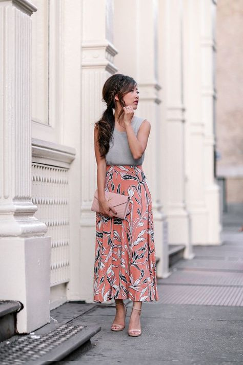 cute fall outfit idea // printed midi - maxi skirt with gray sweater