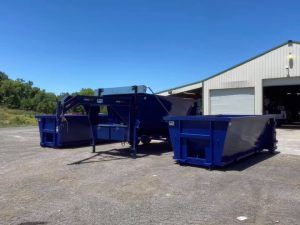 Roll Off Dump Trailers Can Be A Great Alternative To A Dump Trailer They Have The Versatility Of Having A Flatbed Or Dumpster In 2020 Dumpster Trash Service Dumpsters