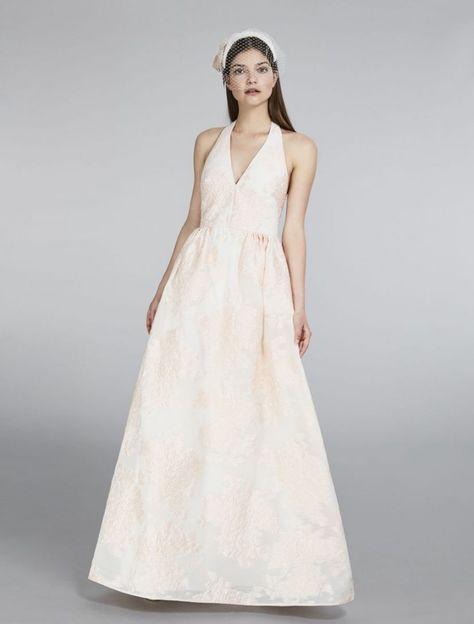 Max Mara 2018 Robes de mariée, un mélange de tradition et d innovation Une  collection qui fait l éloge du goût typique du tailleur italien, ... 56de31d3bec4