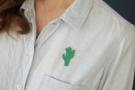 Ou, «le cas de la broche cactus». Car il faut que je vous le dise : j'ai des lubies. Oh, pas des lubies très graves, seulement des espèces de petites fixations sur certaines choses qui m'inspirent. Par exemple, en ce moment j'aime un peu beaucouples poissons et les cactus (aucun rapport, je sais) et duRead more