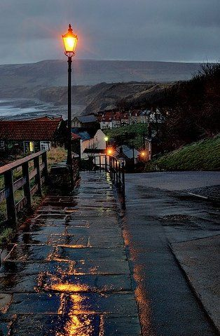 robin hoods bay Robin Hood's Bay, North Yorkshire, England. An English ballad and legend tell a story of Robin Hood encountering French pirates who came to pillage the fisherman's boats and the northeast coast. Rainy Night, Rainy Days, Robin Hoods Bay, Beautiful Places, Beautiful Pictures, Nature Pictures, Photo Vintage, Love Rain, Cultural Architecture