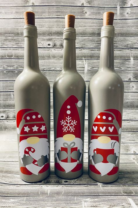 Recycled Wine Bottles, Lighted Wine Bottles, Bottle Lights, Diy Projects With Wine Bottles, Decorated Wine Bottles, Wine Bottle Decorations, Painted Glass Bottles, Glass Bottle Crafts, Wine Bottle Art