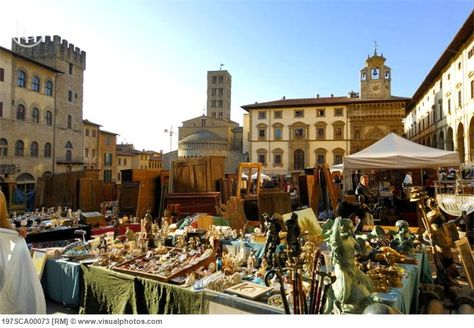 A Market Full Of Beautiful Art In Tuscany Arezzo Places To Go Dolores Park