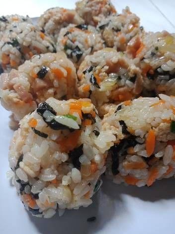 Resep Jumeokbap Nasi Kepal Ala Korea Oleh Debi Ummu Auf Resep Di 2021 Bulgogi Timun Jepang Makanan