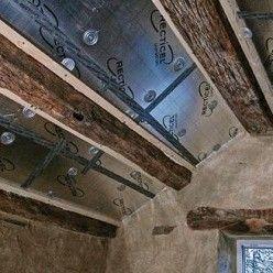 Isoler Une Toiture Par L Interieur Avec Des Panneaux De Polyurethane Toiture Isolation Toiture Isolation Combles