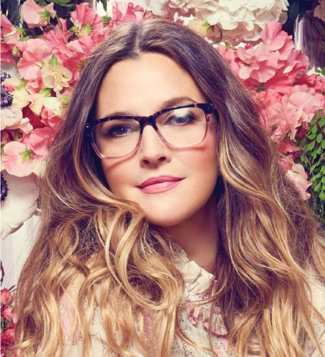 969aa46bced74 Drew Barrymore is style dreams. Love her glasses!