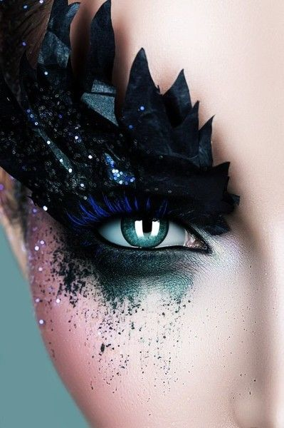 Black Swan - Magical Fairytale Makeup Ideas - Photos