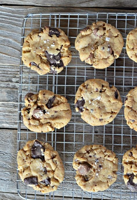 Super soft and fluffy Salted Chocolate Chunk Peanut Butter Cookies | mountainmamacooks.com