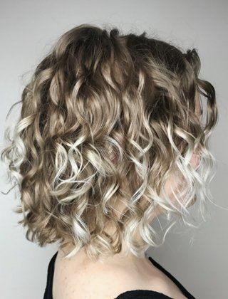 20 Hairstyles For Thin Curly Hair That Look Simply Amazing Thin Curly Hair Curly Hair Styles Curly Hair Styles Naturally