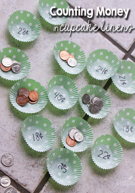 Counting Money - Using cupcake liners for math can be an easy way to prepare a new activity! This counting money game looks like fun, plus there are other suggestions for using the same format! Math For Kids, Fun Math, Math Activities, Maths Games Ks1, Math Art, Vocational Activities, Back To School Crafts For Kids, Activities For 6 Year Olds, Easy Math