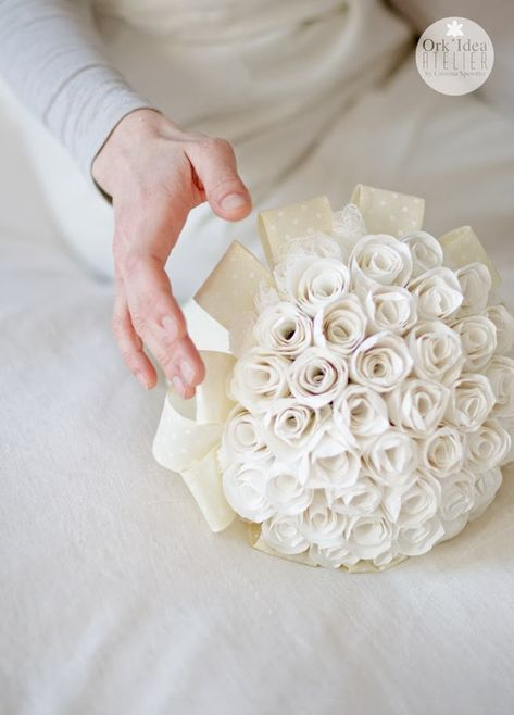 Tutorial Bouquet Sposa.Tutorial Come Fare Un Bouquet Di Boccioli Di Rosa In Carta