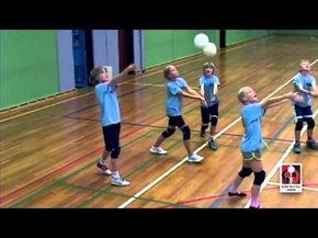 Forsvar Kids Og Teenvolley Volleyball Danmark Youtube Youth Volleyball Volleyball Drills Physical Education Games