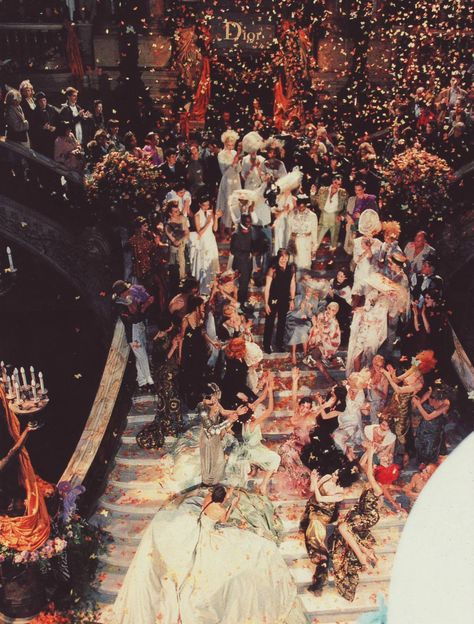 Christian Dior Haute Couture by John Galliano Fashion Show, Spring/Summer 1998 John Galliano, Galliano Dior, Cant Stop The Feeling, Christian Dior, Christian Siriano, A Little Party, Big Party, Dior Haute Couture, The Great Gatsby