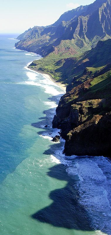 Na Pali coast, Hawaii (by banyanman)