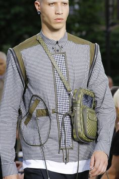 Givenchy Spring 2017 Menswear Fashion Show Details