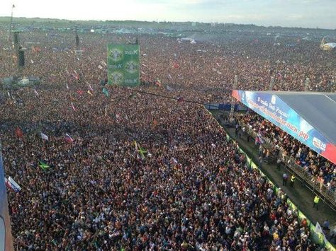 music 600,000 Russians waiting for...