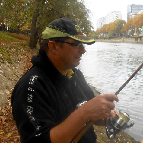 Ce blog est consacré a ma passion, la pêche d'un poisson fabuleux, le sandre ! et a une technique exaltante, la peche aux leurres souples ! Ce blog a été créé pour faire partager ma passion pour la peche du sandre aux leurres souples et de faire découvrir...