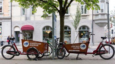 """#gutenachrichten """"Ein Pilotprojekt bringt Lastenräder auf die Straßen von Städten und Kommunen. Lastenfahrräder, die PKW-Fahrten ersetzen, können ein Teil der Lösung für einen umwelt- und klimafreundlichen Verkehr sein. """"  Noch mehr Inspiration gibt's im bio-veganen Wiki für rundum vernünftige Entdeckungen auf ecoco.bio 😀  #positivenachrichten #lastenfahrrad #transportfahrrad #sharingeconomy #cargobike #urbanmobility #lastenrad #autofrei  @tink.bike @fLotteBerlin"""