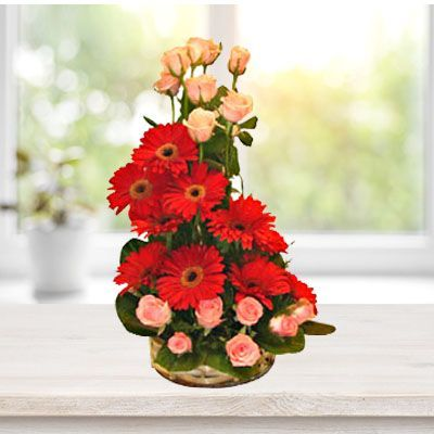 Flowers To Hyderabad Roses And Gerberas Flowers To India Send Flowers Online Pretty Flowers Flowers Online