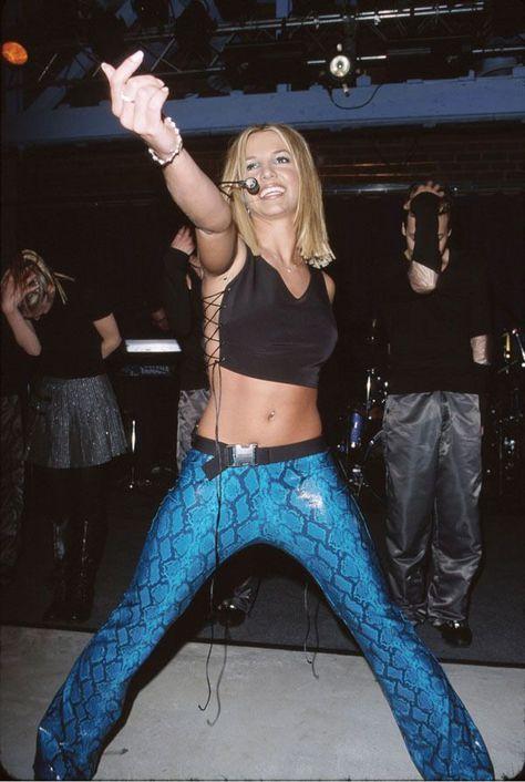 Britney Spears' Most Unforgettable Fashion Moments - Britney Spears' Most Unforgettable Fashion Moments- crfashionbook -